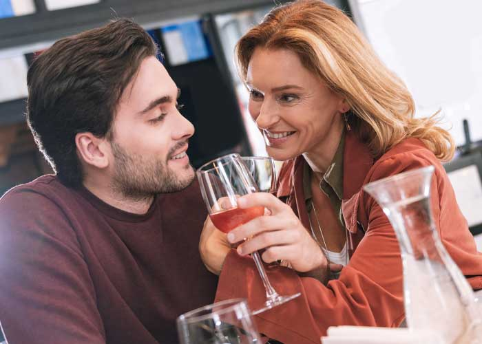 what is a good age gap for dating a matchmaking business