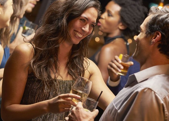 Seven rules on Effective ways to flirt